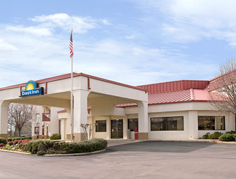 Days Inn - Columbus Mississippi
